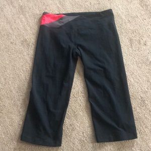 Underarmour Capri exercise pants used 1x only